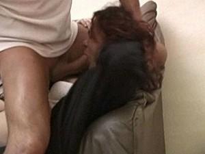 Raper word extra geil van huilend slachtoffer